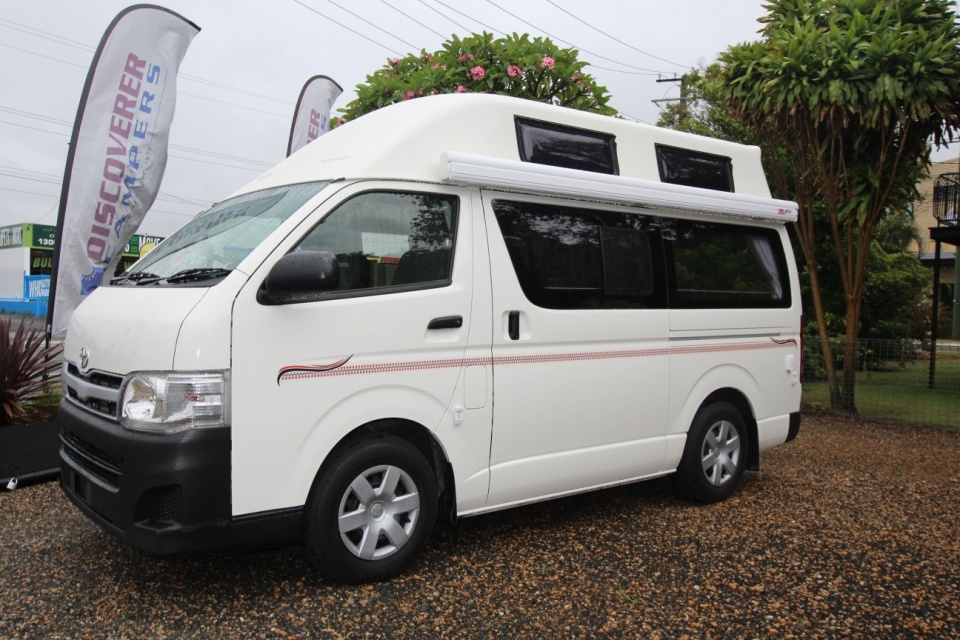 2013 Toyota Hiace Twin Bed High Roof Low Kms Discoverer