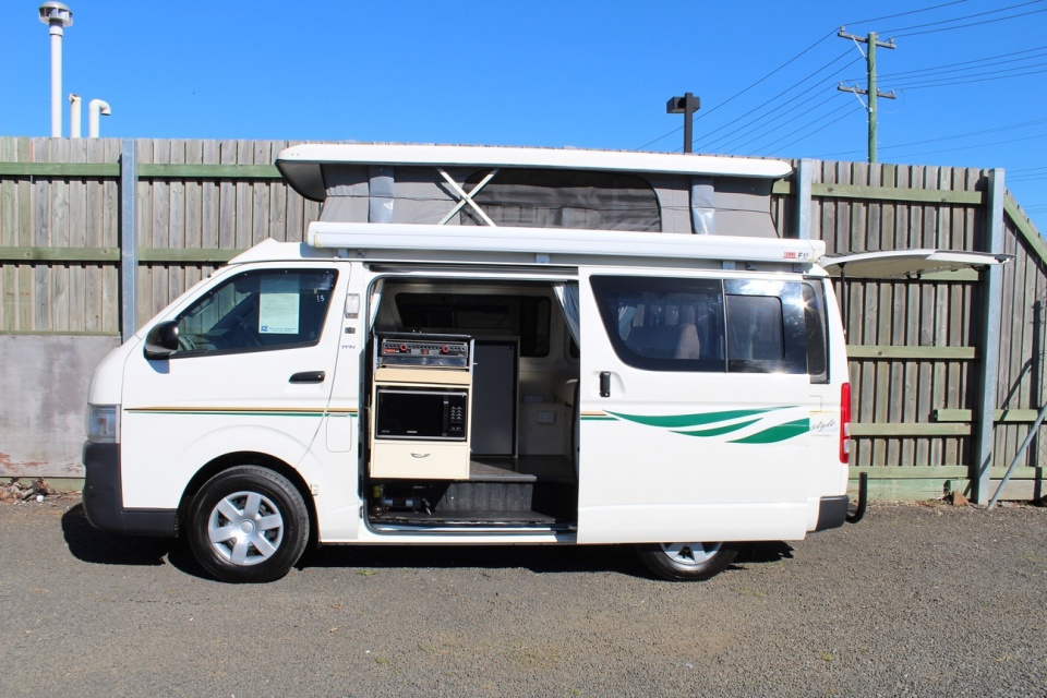 2007 Toyota Hiace Lifestyle Pop Top Campervan Discoverer