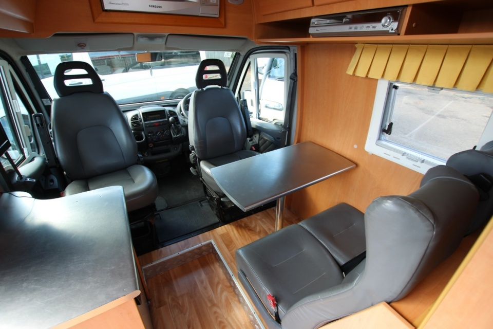 2005 Fiat Avan Applause Low Kms Permanent Bed   Discoverer ...